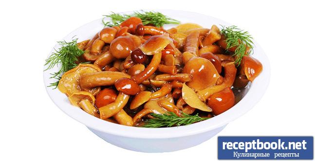 Маринованные грибы подача на стол